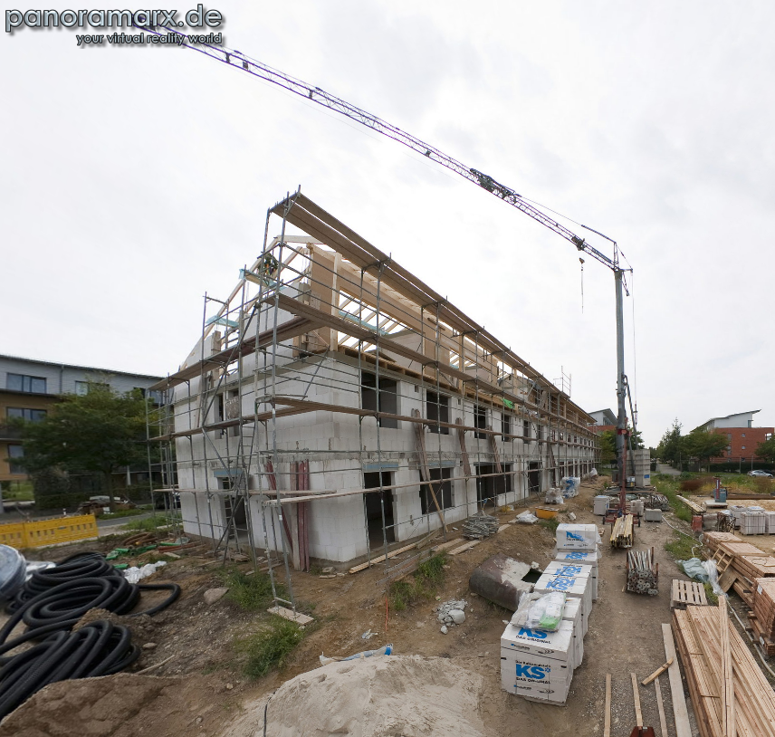 Baufortschritt im Rundumblick: das Reihenhausprojekt wächst heran (Screenshot)