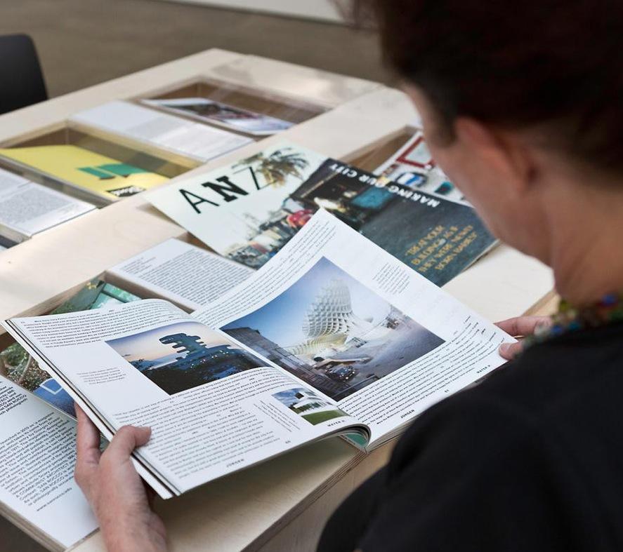 """Architekturzeitschriften in der Ausstellung """"Archizines"""" © Vitra Design Museum 2013; Foto: Bettina Matthiessen"""