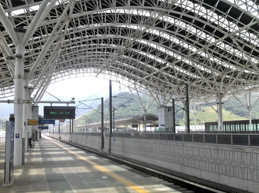 Hightech auch im Schienenverkehr: Der neue Bahnhof für den Hochgeschwindigkeitszug KTX in Gyeongju