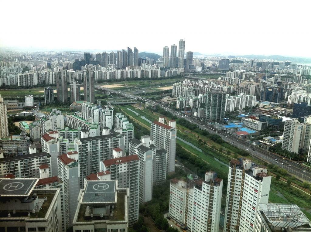 Wachsende Megacity Seoul: Hochhäuser so weit das Auge reicht, hier im Südwesten des Stadtzentrums