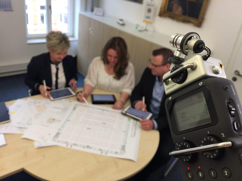 Die Tonqualität muss stimmen: Audioaufnahme während einer Filmproduktion (Foto: Eric Sturm)