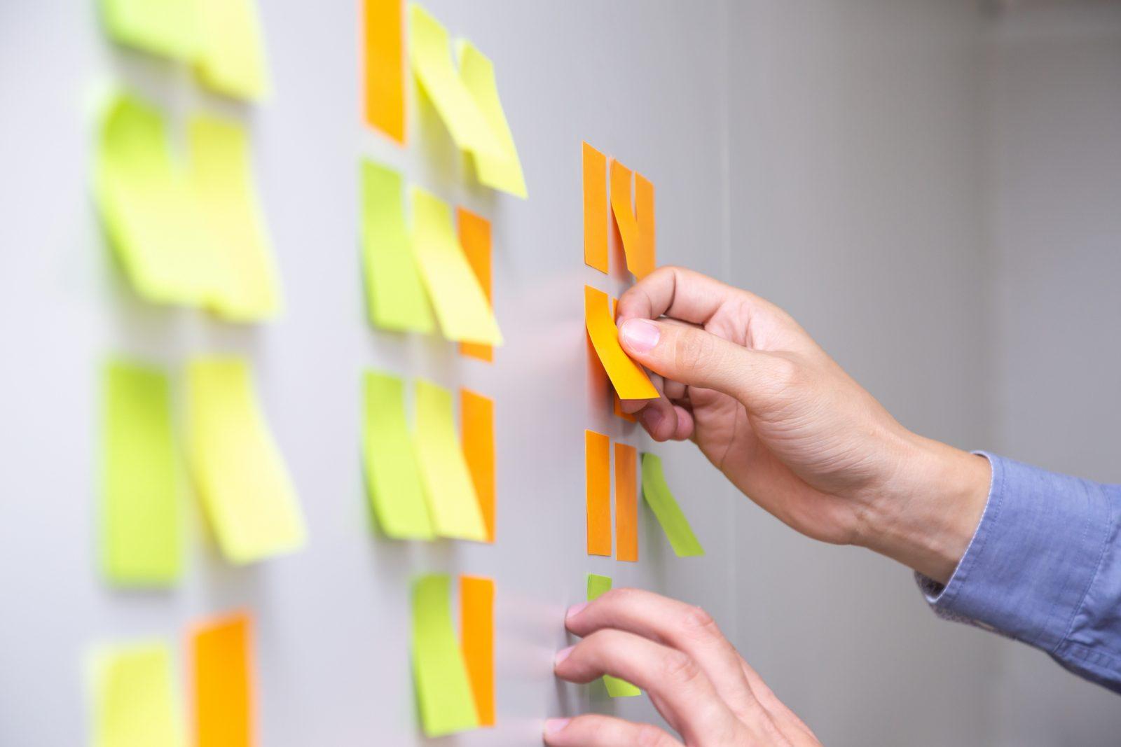 Agiles Projektmanagement für Architekten: Projektplanung am Kanban Board (Foto: comzeal / iStock)