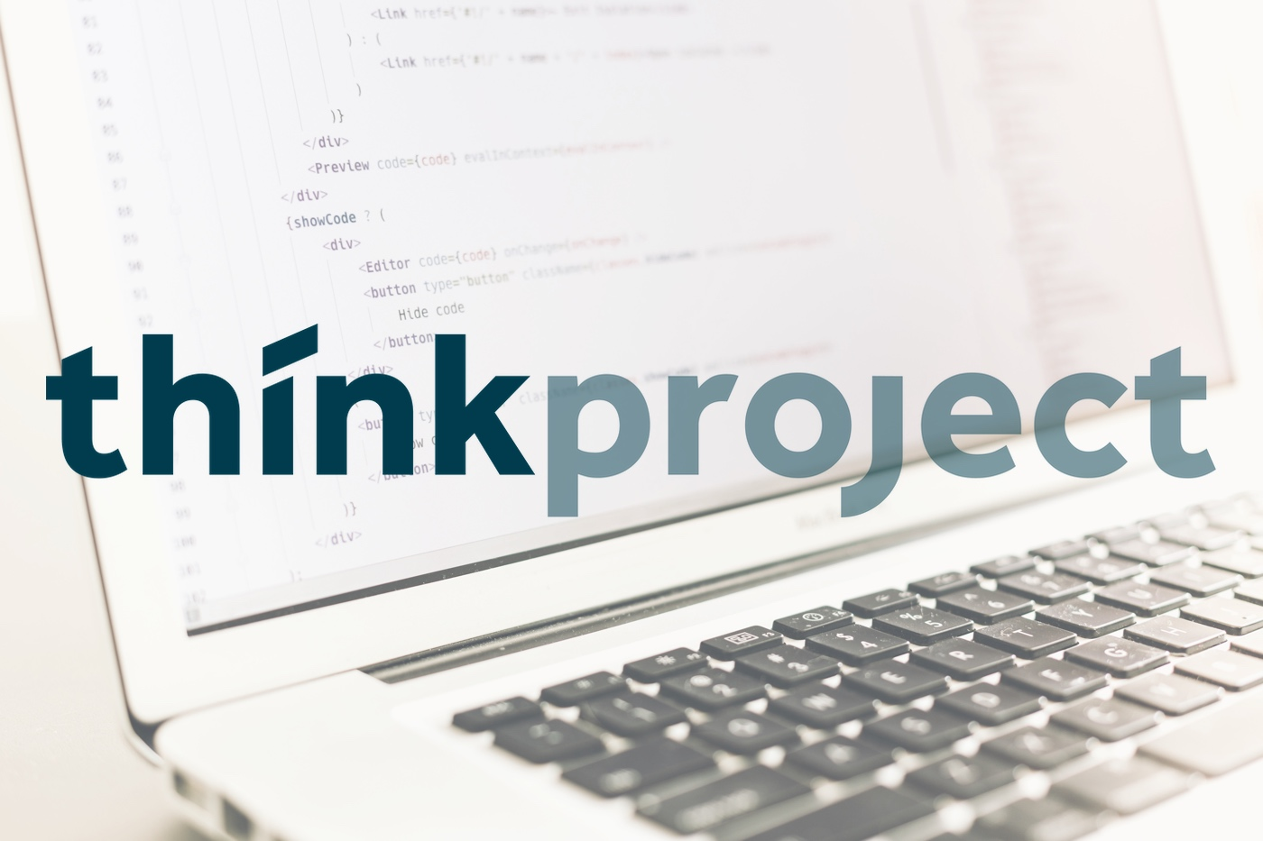 Mit der Akquisition der Olmero AG avanciert die Schweiz zum global viertgrößten Markt für thinkproject (Logo thinkproject; Hintergrundbild: Artem Sapegin / Unsplash)